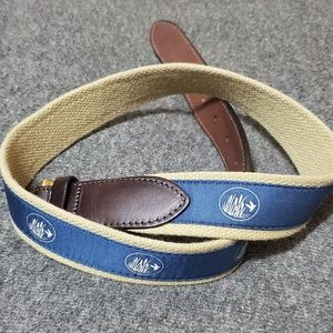 Vineyard Vines belt size 32